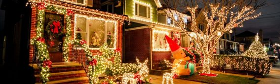 Tips For Putting Up Holiday Decorations